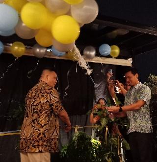 Brafely Sahelangi, General Manager Aviary Bintaro (kiri) dan Direktur Utama Aviary Group, Aswin Sumampau (kanan)